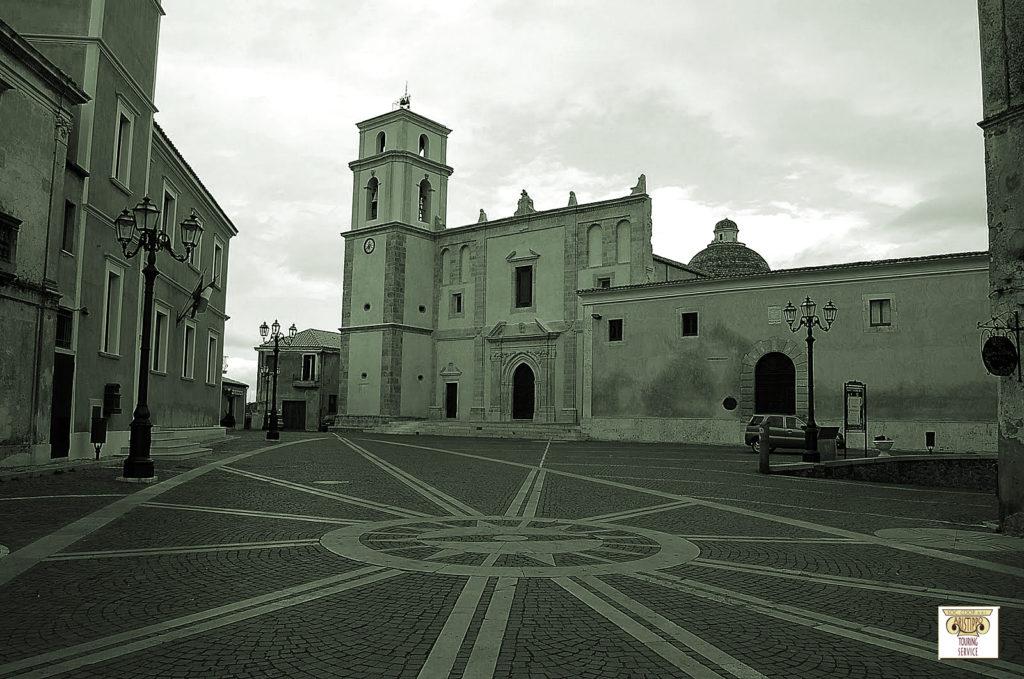 Piazza, Cattedrale e Museo Diocesano di Santa Severina